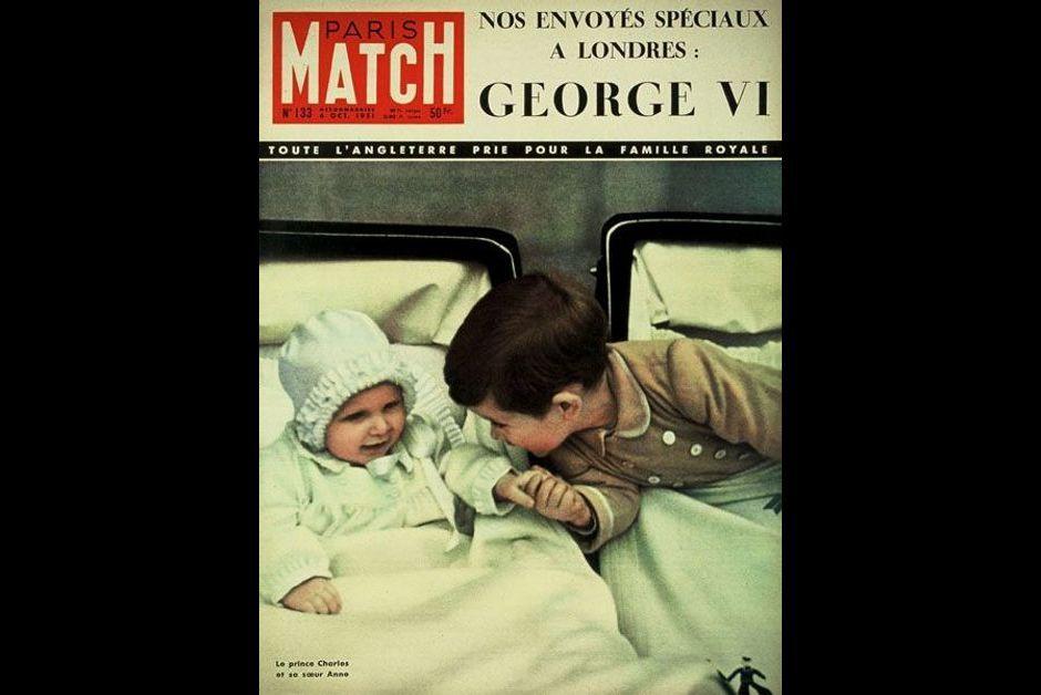 La princesse Anne bébé, avec son grand frère Charles - N° 133 - 06 Octobre 1951