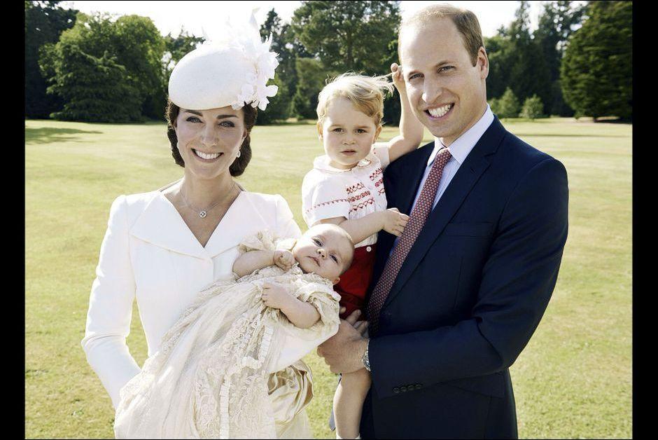 L'actualité des monarchies - Page 3 Bapteme-de-la-princesse-Charlotte-les-photos-officielles