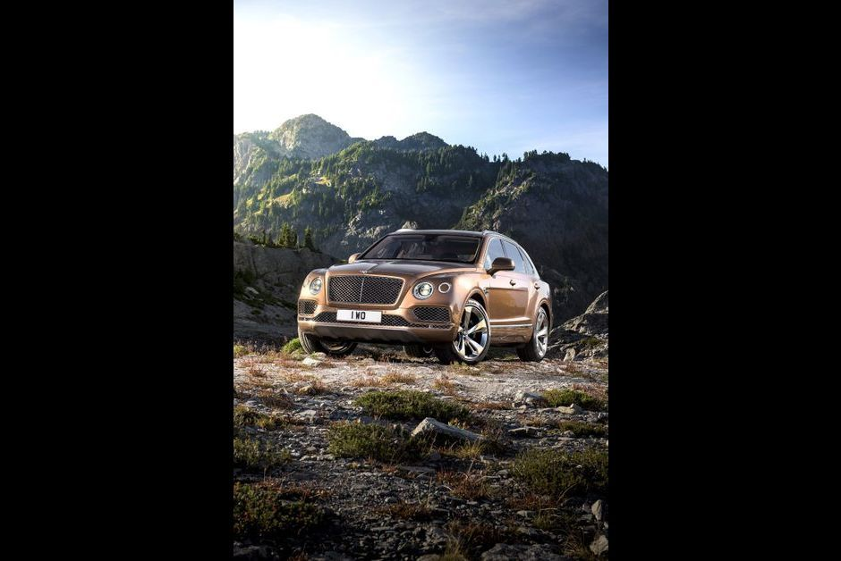 bentley bentayga le suv le plus puissant au monde. Black Bedroom Furniture Sets. Home Design Ideas