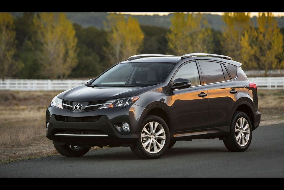 toyota rav4 petit suv est devenu grand. Black Bedroom Furniture Sets. Home Design Ideas