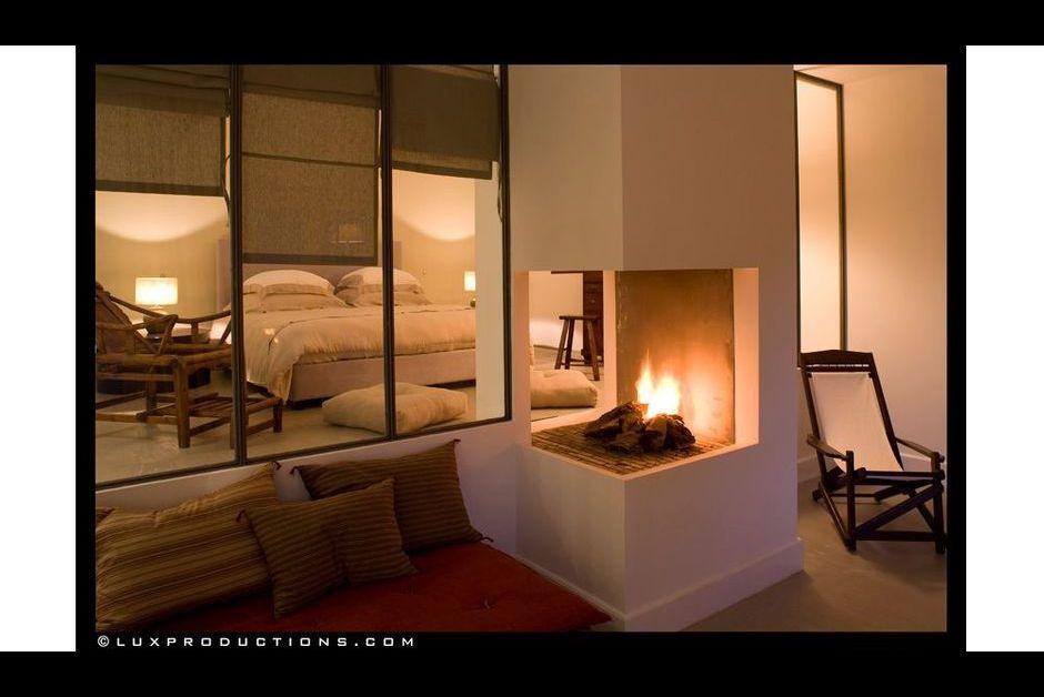 ambiance exotique dans la chambre amache. Black Bedroom Furniture Sets. Home Design Ideas