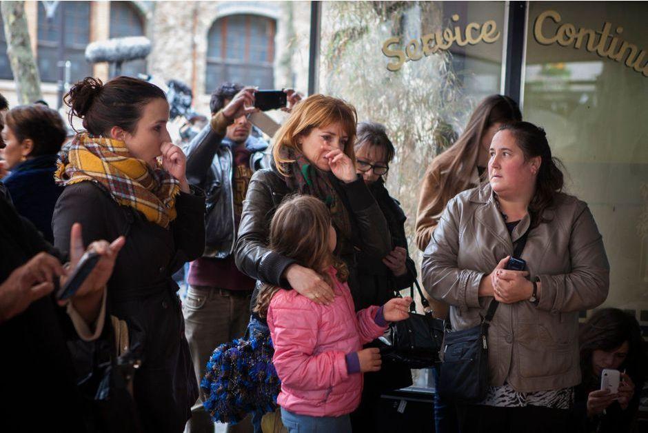Dans les rues de Paris  Lheure du recueillement