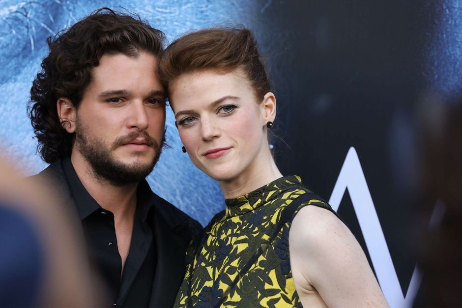 kit harington et rose leslie deux amoureux l avant premi re de game of thrones. Black Bedroom Furniture Sets. Home Design Ideas