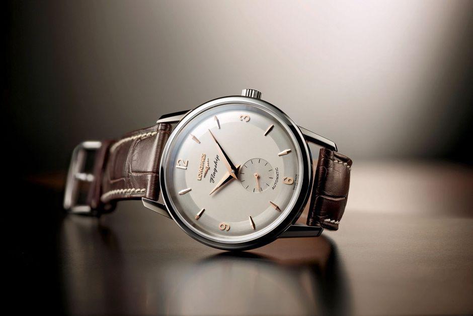 Salon mondial de l 39 horlogerie b le l 39 heure de raison - Salon de l horlogerie ...