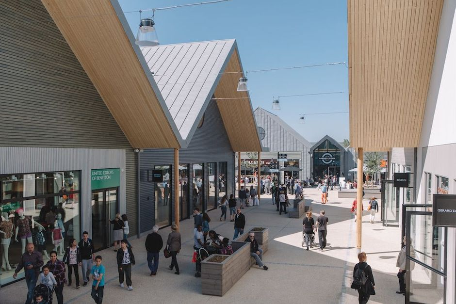 Yvelines un centre commercial 100 bois ouvre ses portes - Centre commercial les portes de chevreuse ...