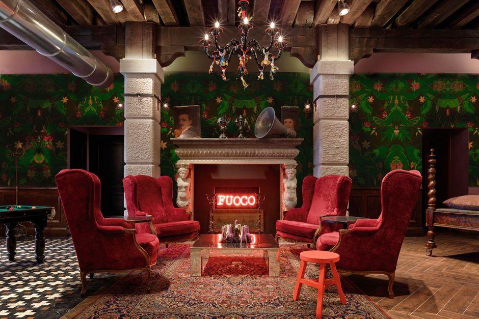 auberges de jeunesse le nouvel ge d 39 or. Black Bedroom Furniture Sets. Home Design Ideas