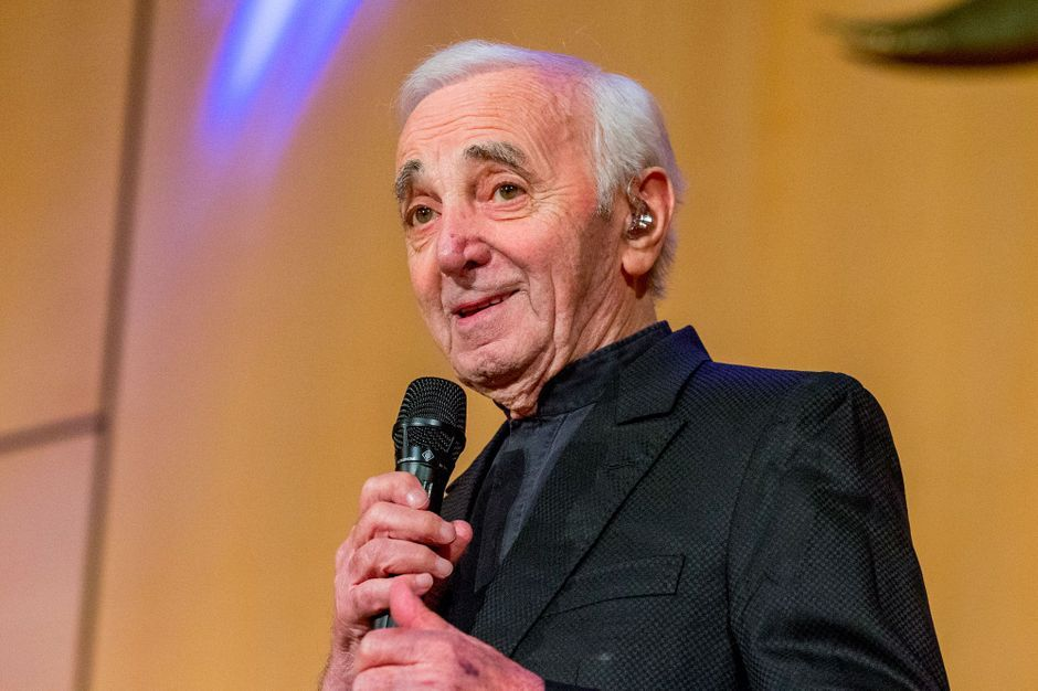 charles aznavour son gendre donne des nouvelles rassurantes. Black Bedroom Furniture Sets. Home Design Ideas