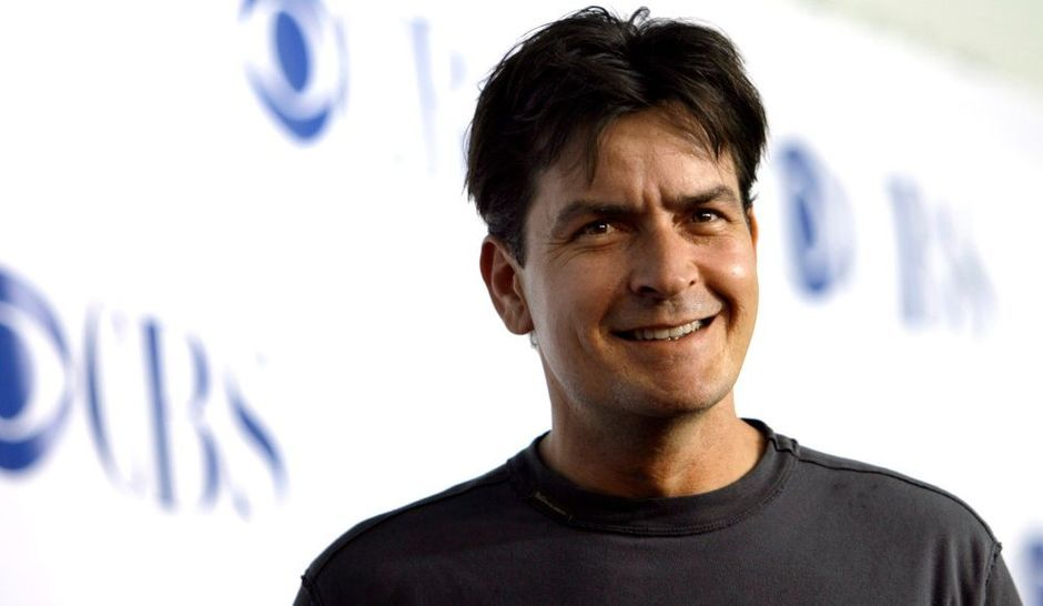 charlie sheen va divorcer. Black Bedroom Furniture Sets. Home Design Ideas