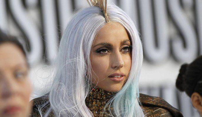 Lady Gaga se met à nu contre l'anorexie