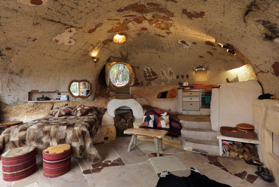 insolite une caverne transform e en r sidence secondaire. Black Bedroom Furniture Sets. Home Design Ideas