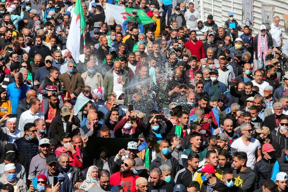 En Algérie, nouvelles manifestations du Hirak après l'annonce des législatives anticipées
