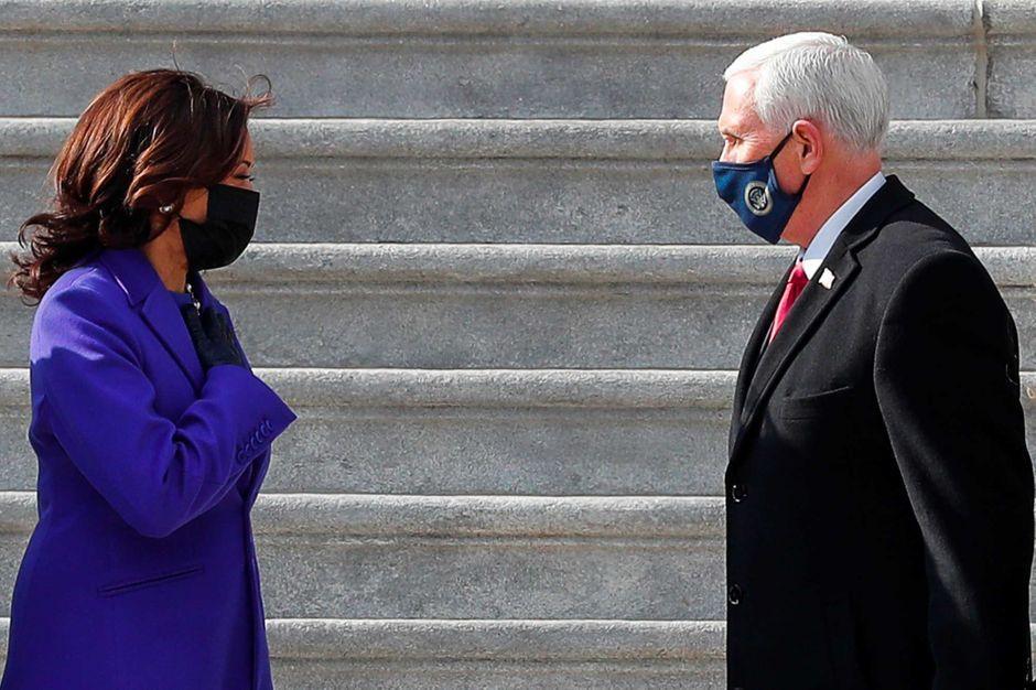 Transition pacifique : Kamala Harris a escorté Mike Pence sur les marches du Capitole
