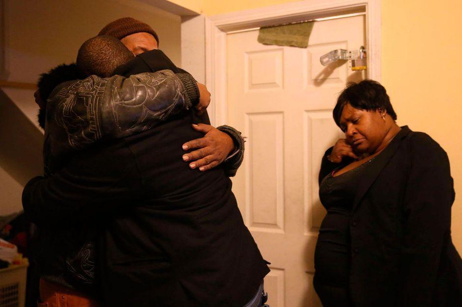Deux noirs tués par un policier - Une intervention policière tourne mal à Chicago