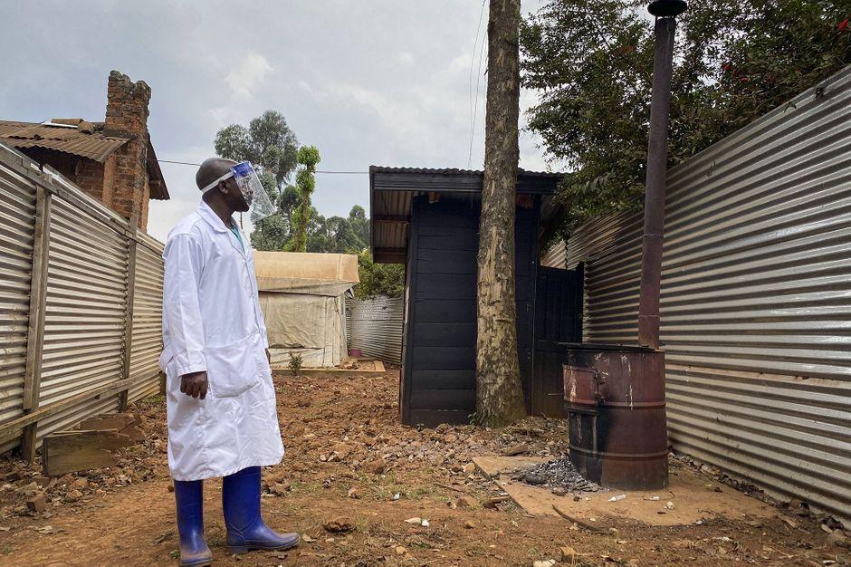 Washington met en garde contre la menace Ebola après une résurgence en Afrique - Paris Match