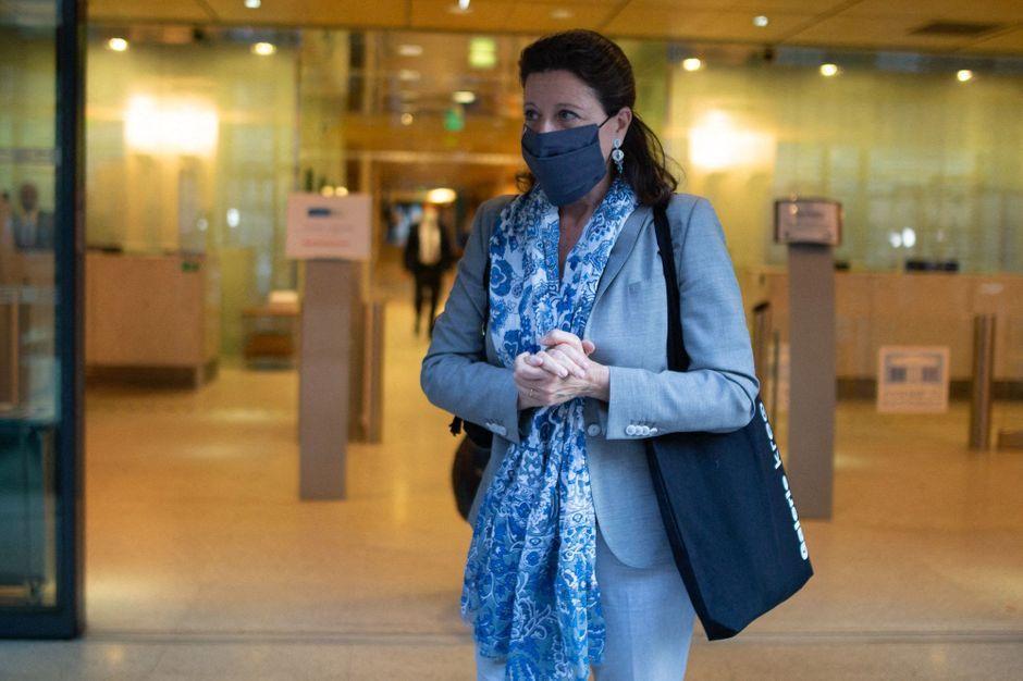 """Coronavirus : """"Peu de ministres ont été autant en action et en alerte"""" en Europe, se défend Agnès Buzyn"""