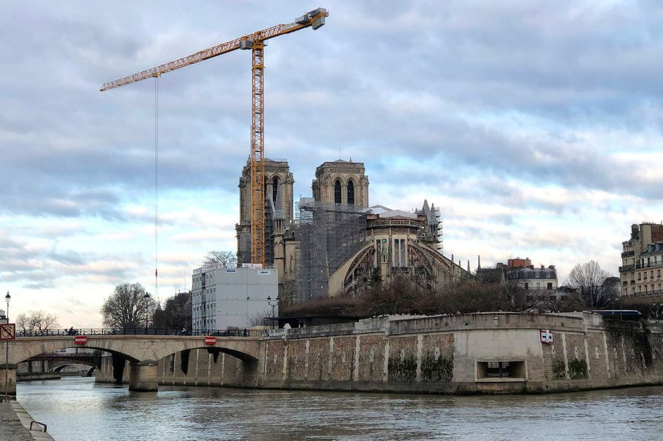 Macron visite le chantier jeudi, deux ans après l'incendie