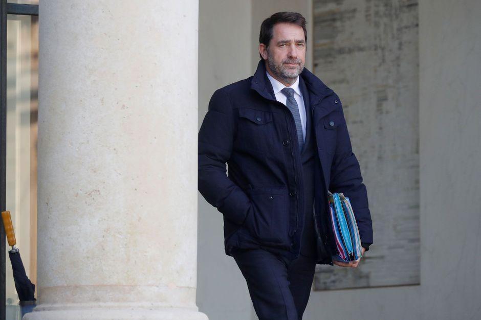 """Propos sur la vie privée : Castaner regrette, Faure en fait une """"affaire de principe"""""""