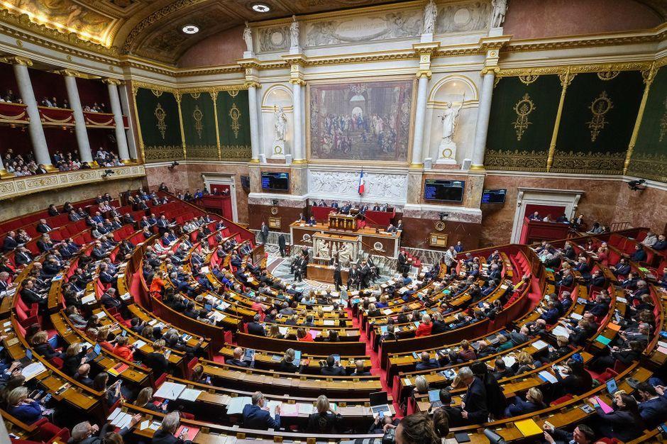 Retraites : la réforme dans le chaudron des députés lundi, avec un nouveau ministre