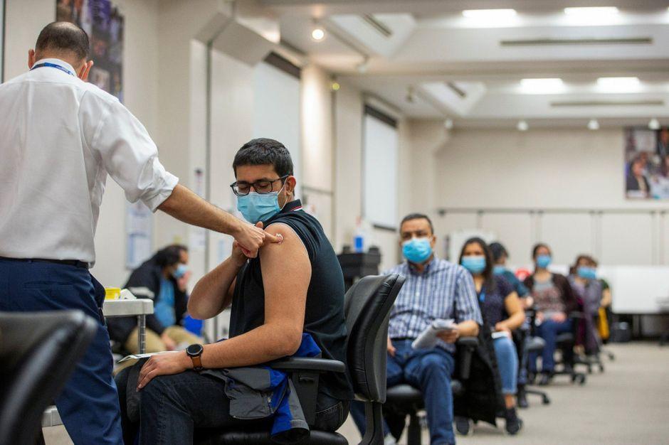 Élections régionales maintenues, Moderna efficace à 90%… le point sur le coronavirus