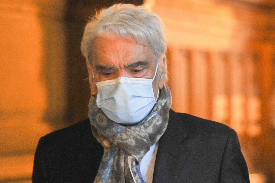Le procès en appel de Bernard Tapie renvoyé à mai 2021 en raison de son état de santé