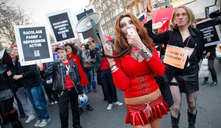 Всемирный день проституток проститутки на фруктовой