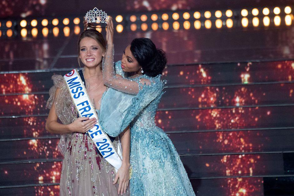 Le concours Miss France attaqué en justice par des féministes