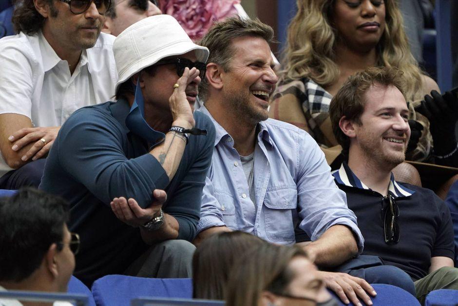 """Brad Pitt et Bradley Cooper, charmante """"bromance"""" devant la finale de l'US Open"""