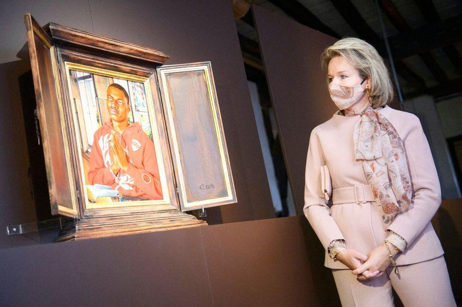 La reine des Belges Mathilde à Bruges, de Memling à Kehinde Wiley, le portraitiste d'Obama
