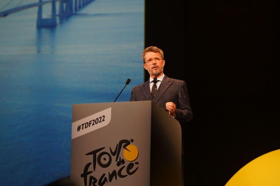 Prince Frederik de Danemark, à Paris pour le Tour de France il évoque son père français