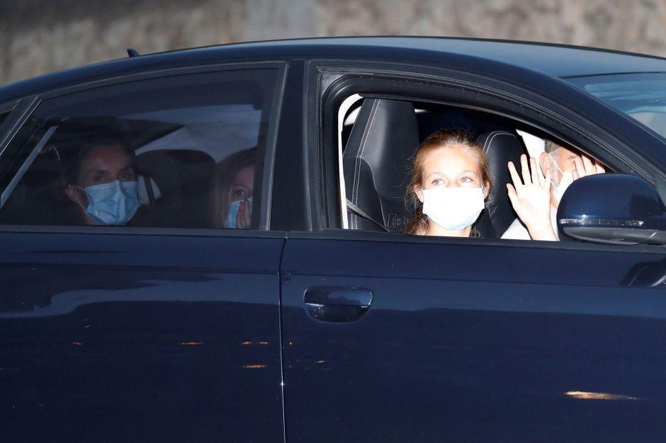 La reine Letizia, le roi Felipe VI et les princesses Leonor et Sofia sont arrivés à Palma de Majorque