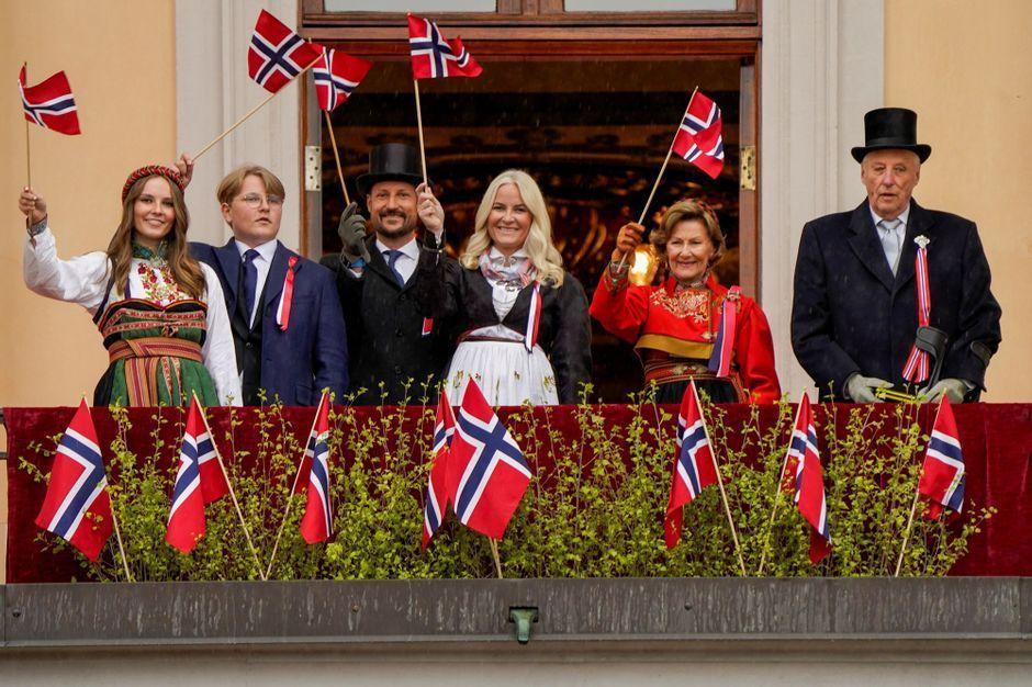 La famille royale norvégienne a vécu une Fête nationale arrosée