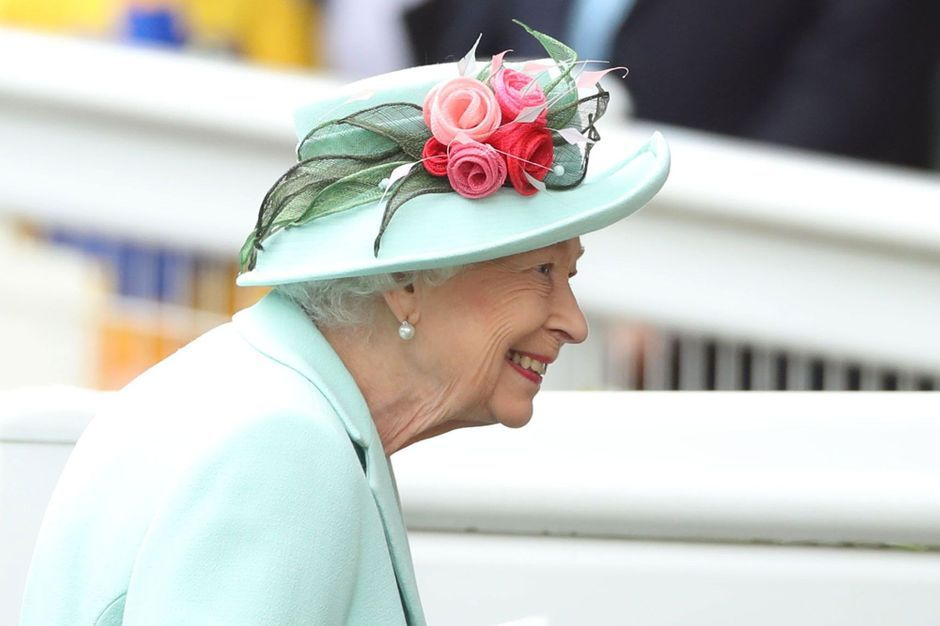 Elizabeth II, tout sourire, fait son retour à Ascot