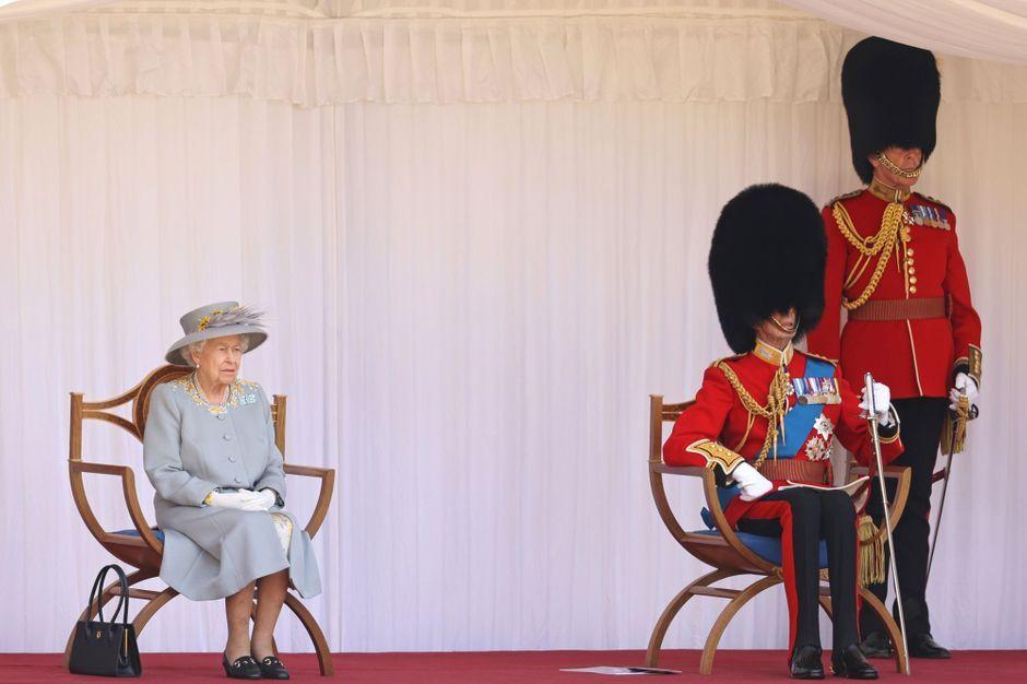 La reine Elizabeth II a vécu la cérémonie de ses 95 ans avec son cousin Edward, duc de Kent