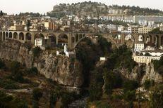 Algérie : tentative d'attentat suicide devant un commissariat