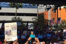 En campagne en Floride, Hillary Clinton si près du but....