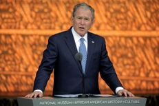 George W. Bush critique à demi-mot Donald Trump