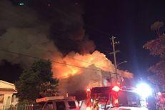 Au moins 9 morts dans l'incendie d'un entrepôt en Californie