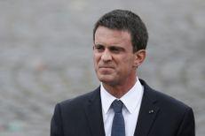 """A Tours, Manuel Valls affiche son """"entier soutien"""" aux policiers"""