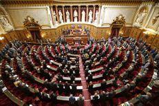 Le Sénat adopte une version durcie de la loi Travail