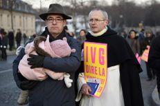 """""""Marche pour la vie"""" : des milliers d'opposants à l'avortement ont défilé à Paris"""