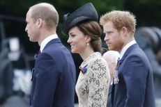 Kate, William et Harry, commémoration à l'unisson avec Hollande