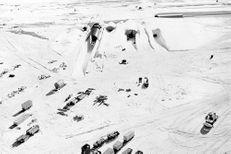Groenland : La fonte des glaces dévoile une base secrète américaine