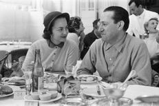 Joyeux centenaire, Olivia de Havilland