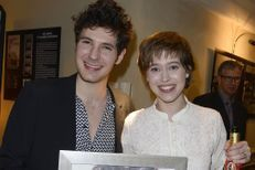 Vincent Lacoste et Lou de Laâge honorés par les prix Patrick Dewaere et Romy Schneider