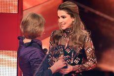 """Rania reçoit le """"Cœur d'or"""" à Berlin, après Charlène et Harry"""