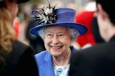 """Elizabeth II à propos du Brexit : """"En tous cas, je suis toujours en vie"""""""