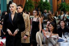 """Au Ritz, Chanel convie ses fidèles pour sa collection """"Métiers d'Arts"""""""