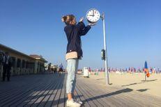 Deux horloges Mondaine sur les planches mythiques de Deauville!